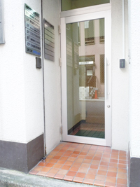 rentaloffice_entrance0983.jpg